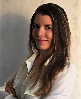 Dr. Lívia Lourenço